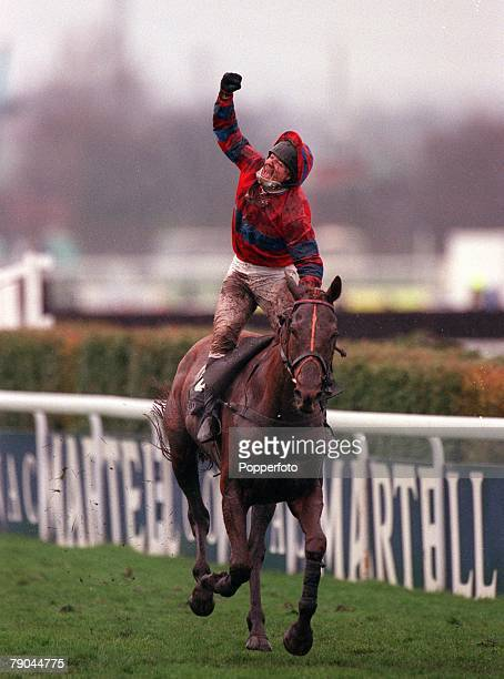 """Horse Racing, Martrel Grand National, Aintree, Liverpool, England, 7th April 2001, Jockey Richard Guest celebrates as he brings home """"Red Marauder""""..."""