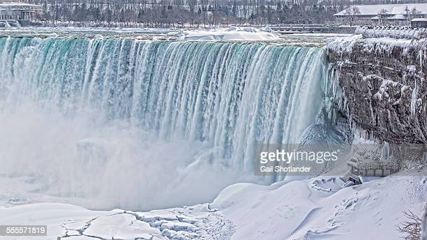 horse shoe falls (niagara falls) iced - niagara falls stock pictures, royalty-free photos & images