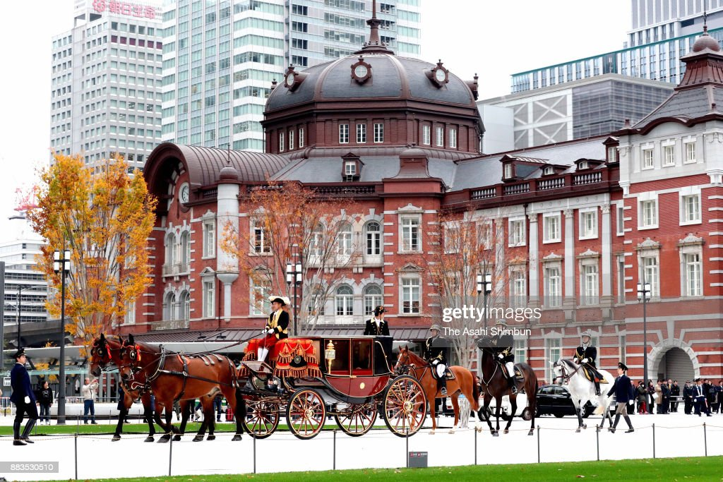 Horse Carriage Route New Ambassadors Travel To Hand Credentials To Emperor Returns To Tokyo Station : News Photo