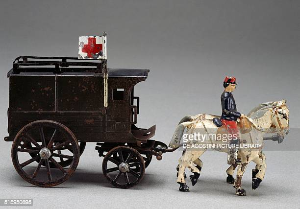 Horsedrawn military ambulance painted tin toy made by Charles Rossignol 1912 France 20th century Milan Museo Del Giocattolo E Del Bambino