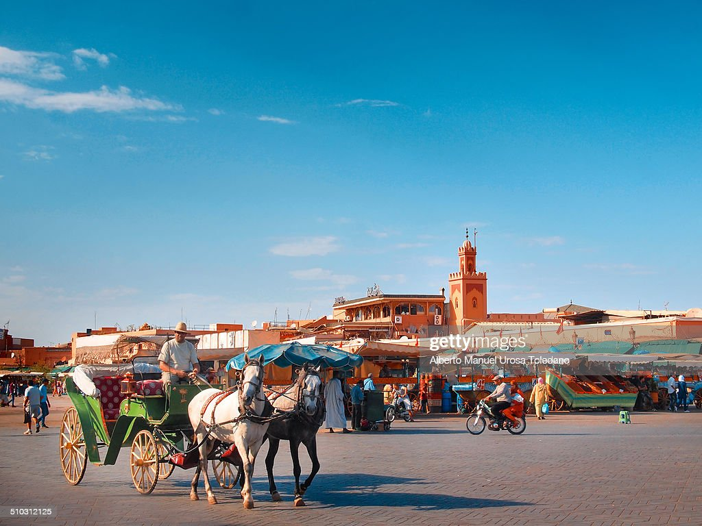 A carriage in Djemaa El Fna square : News Photo