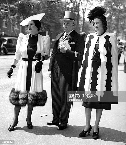 HorseRacing 13th June 1939 Ascot England Black and white ensembles worn at Ascot by Mrs RL Andrews Hatwell and Mrs Bruce Webb With them is Mr Frank...