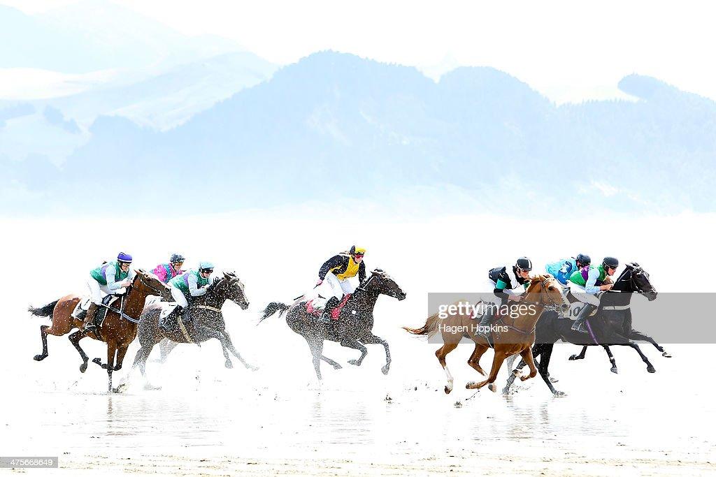 Castlepoint Beach Races : News Photo