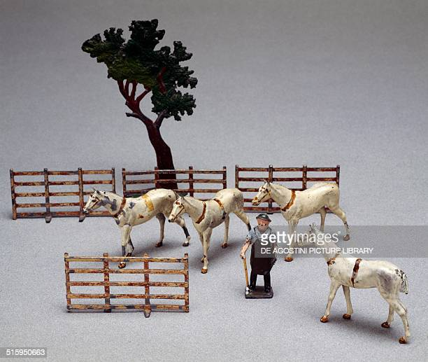 Horses figures and objects for farmsteads handpainted hollow cast lead toys made by Britain England 20th century Milan Museo Del Giocattolo E Del...