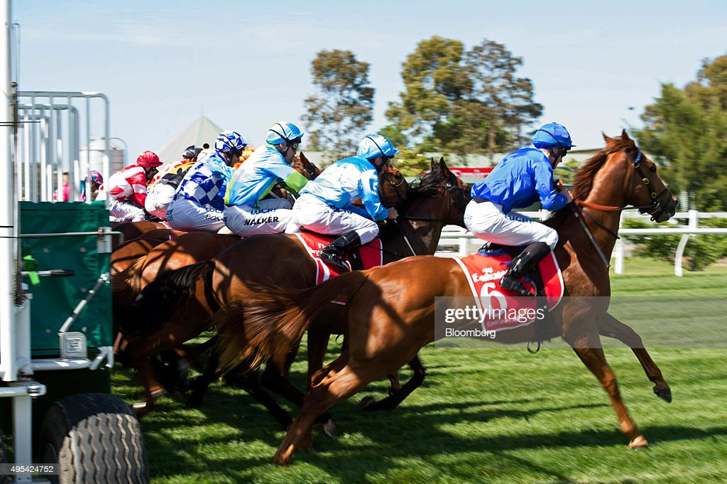 Punters And Revelers At The Melbourne Cup : News Photo