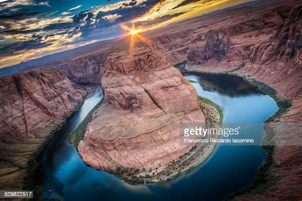horseshoe bend aerial view - francesco riccardo iacomino united states foto e immagini stock