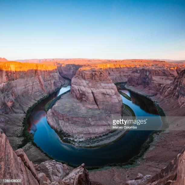 horseshoe bend at sunset, arizona, usa - colorado river stock pictures, royalty-free photos & images