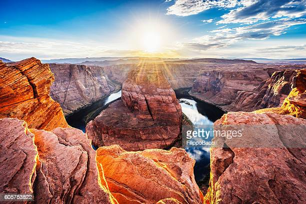 horseshoe bend at sunset - colorado river, arizona - southwest usa stock pictures, royalty-free photos & images