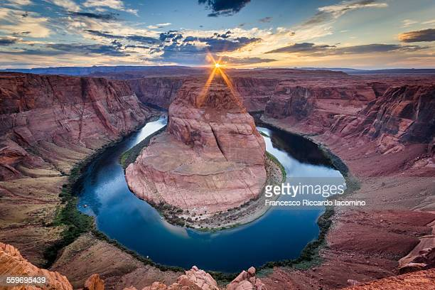 horseshoe bend at sunset - francesco riccardo iacomino united states foto e immagini stock