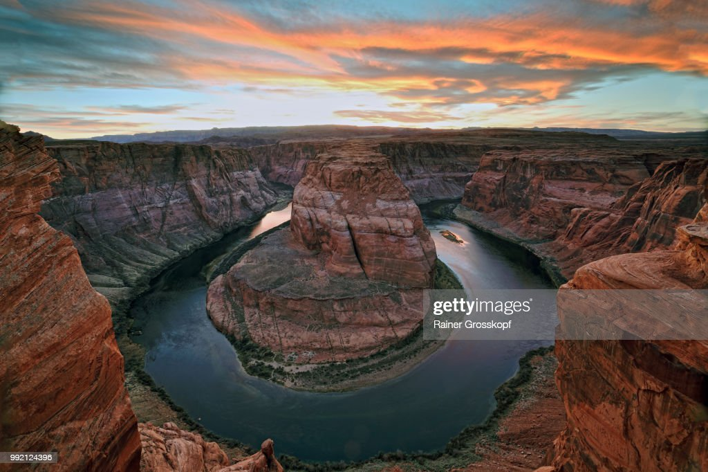 Horseshoe Bend of Colorado River at sunset : Stock-Foto