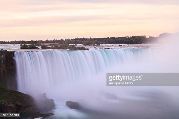 Horseshoe falls at sunrise, Niagara, Canada