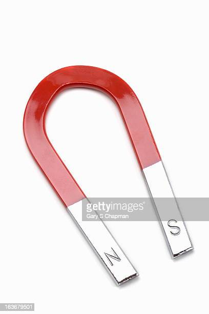 horseshoe magnet - horseshoe magnet stock pictures, royalty-free photos & images