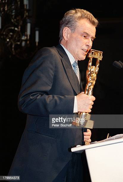 Horst Buchholz Deutscher Videopreis2000 Video Winner 2000 VerleihungKaisersaal Münchner Residenz PreisRednerpult Rede