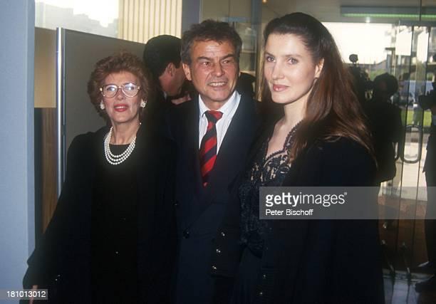 Horst Buchholz, Ehefrau Myriam Bru, Tochter Beatrice, 70. Geburtstag von Sir Peter Ustinov, Paris, Frankreich, ,