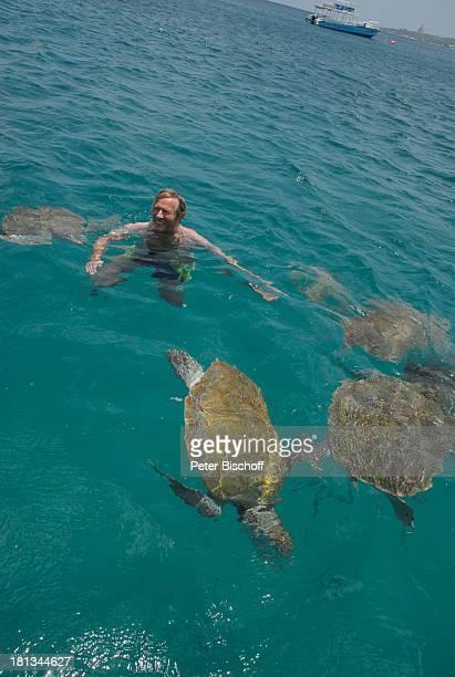 Horst Janson Almond Beach Village Urlaub BootsAusflug Speightstown / St Peter Insel Barbados Karibik Meer schwimmen Tier Schildkröten Schauspieler