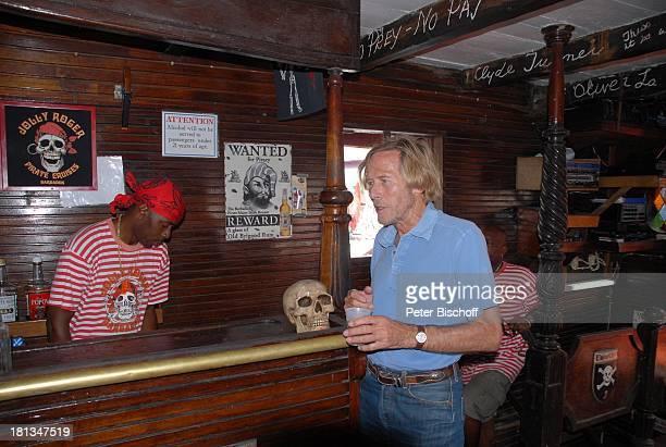 Horst Janson Besatzungsmitglied Segelschiff Jolly Joker Bridgetown Insel Barbados Karibik Urlaub Schiff Piratenschiff Schauspieler