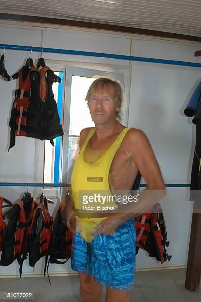 Horst Janson Sarigerme/Türkei/Europa Club Aldiana Türkische Ägäis Urlaub Schauspieler Schwimmweste Sportkleidung Sport Badehose Badebekleidung Promis...