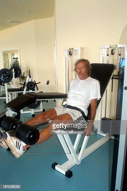 Horst Janson Sarigerme/Türkei/Europa Club Aldiana Türkische Ägäis Urlaub Schauspieler FitnessRaum Trainingsgerät für Beinmuskulatur Sport...