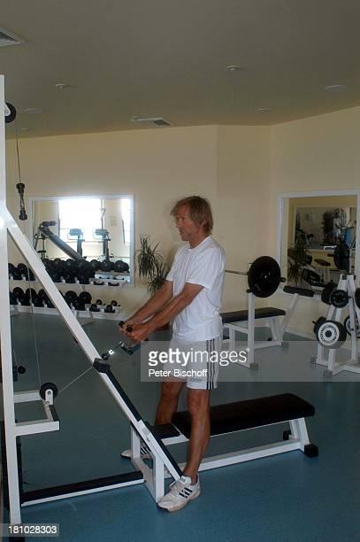 Horst Janson Sarigerme/Türkei/Europa Club Aldiana Türkische Ägäis Urlaub Schauspieler FitnessRaum Trainingsgerät für Armmuskulatur Sport...
