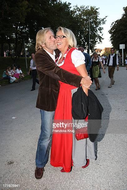 Horst Janson Und Ehefrau Hella Beim Condor Stammtisch Im Hippodrom Auf Dem Oktoberfest In München Am 220907
