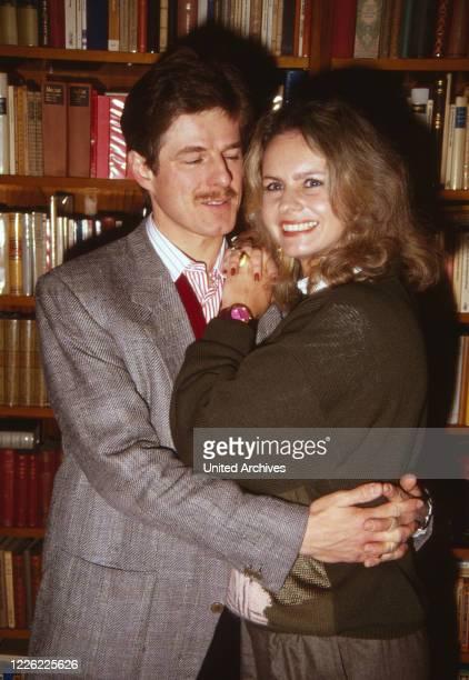 Horst Kummeth, deutscher Fernseh- und Theaterschauspieler, mit Ehefrau Eva, Deutschland 1989