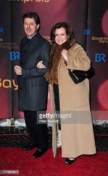 Horst Kummeth mit Ehefrau Eva 34 Verleihung Bayerischer Filmpreis Prinzregententheater München Bayern Deutschland Europa Roter Teppich Gala...