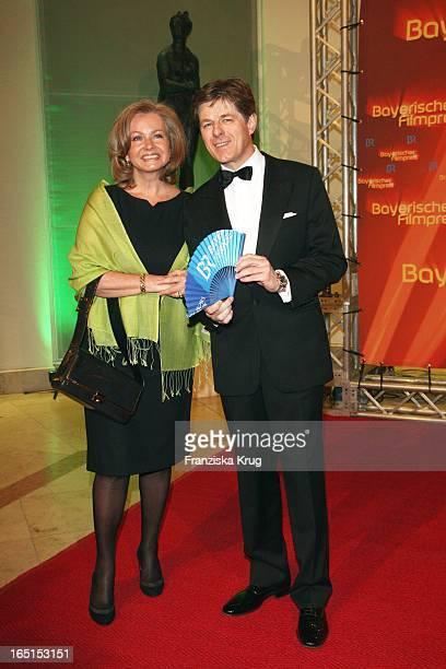 Horst Kummeth Und Ehefrau Eva Bei Der 30 Verleihung Des Bayerischen Filmpreis Im Cuvillies Theater In München Am 160109