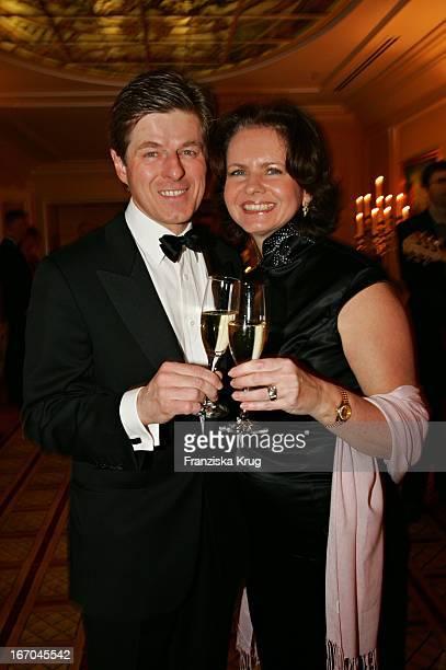 Horst Kummeth Und Ehefrau Eva Bei Der Verleihung Des Felix Burda Award Von Der Felix Burda Stiftung Im Hotel Vier Jahreszeiten In M Ünchen Am 200305
