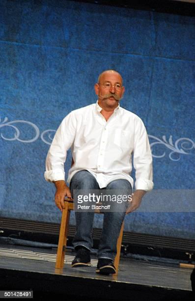 Horst Lichter 3 TourneeProgramm Jetzt kocht er auch noch Stadthalle OsterholzScharmbeck Niedersachsen Deutschland Europa Auftritt Bühne Stuhl sitzen...