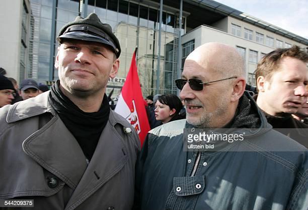 Horst Mahler, Jurist, D - mit Thomas Wulff auf der Demonstration zum 60. Jahrestag der Bombardierung von Dresden