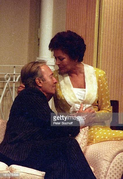 Horst Naumann Karin Dor Tournee Theaterstück Finden Sie daß Constance sich richtig verhält nach Sommerset Maugham Theater im Rathaus Essen...