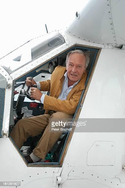 """Horst Naumann , ZDF-Reihe """"Traumschiff"""", Folge 50, Episode 1: """"Junge Liebe"""", West-Coast, Vancouver, British Columbia, Kanada, Wasserflugzeug, Hafen,..."""