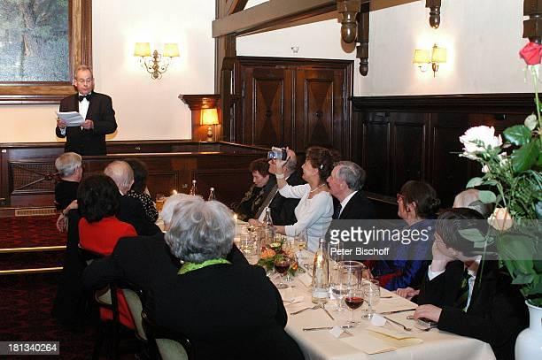 Horst Pillau Peer Schmidt dessen Ehefrau Helga Schlack dessen Enkel Tobias Monika Schönfelder Brigitte Flatow Party zum 80 Geburtstag von P e e r S c...