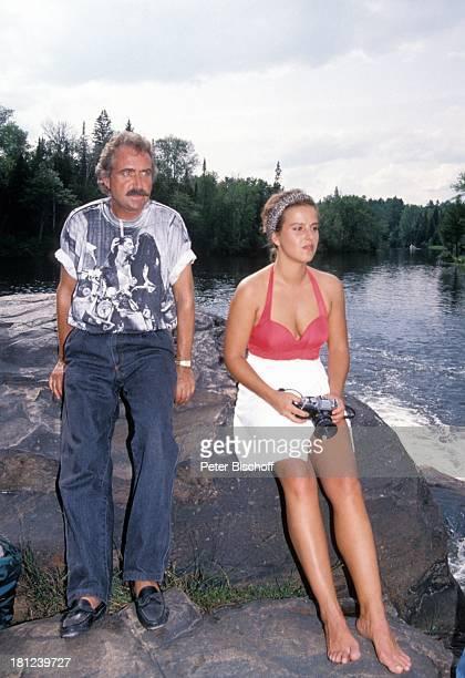 """Horst Schaefer , Alexa Wiegandt, , neben den Dreharbeiten zur PRO 7 - Serie """"Glueckliche Reise"""", Folge 12, """"Kanada"""", Episode 1 """"Die ungleichen..."""