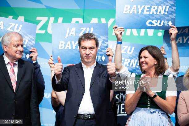 Horst Seehofer Markus Soeder with two thumbs up and Ilse Aigner The Christian Social Union held its last rally in the Loewenbraeukeller before the...
