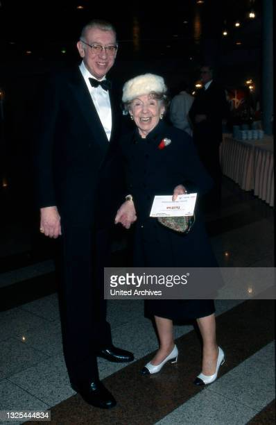 Horst Tappert und Inge Meysel bei der Verleihung des Telestar 1998 in Köln, Deutschland 1998 im Maritim Hotel(.