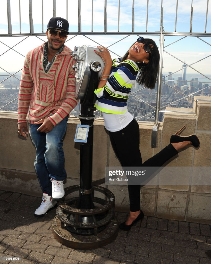 Hosea Chanchez and Wendy Raquel Robinson visit the Empire State Building on March 26, 2013 in New York City.