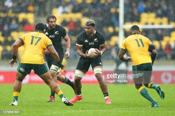Hoskins Sotutu of the All Blacks runs the ball during the Bledisloe Cup match between the New Zealand All Blacks and the Australian Wallabies at Sky...