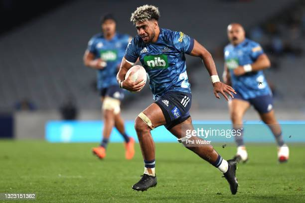 Hoskins Sotutu of the Blues during the round five Super Rugby Trans-Tasman match between the Blues and the Western Force at Eden Park on June 12,...