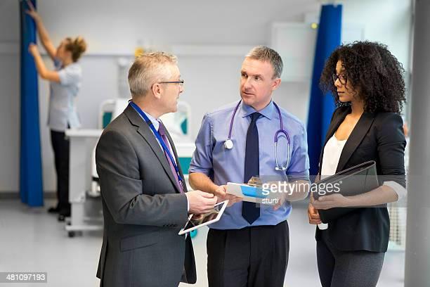 Equipo administrador de hospital