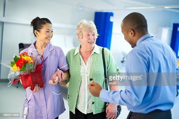 hospital welcome - hip replacement stock pictures, royalty-free photos & images