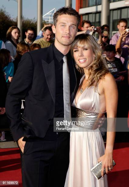TV host Annemarie Warnkross and boyfriend actor Wayne Carpendale arrive for the German TV Award 2009 at the Coloneum on September 26 2009 in Cologne...