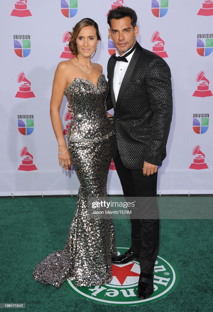 Host Cristian de la Fuente (R) and Angelica Castro arrive at the 13th annual Latin GRAMMY Awards held at the Mandalay Bay Events Center on November 15, 2012 in Las Vegas, Nevada.