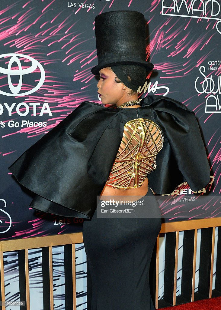 2015 Soul Train Music Awards  - Arrivals : News Photo