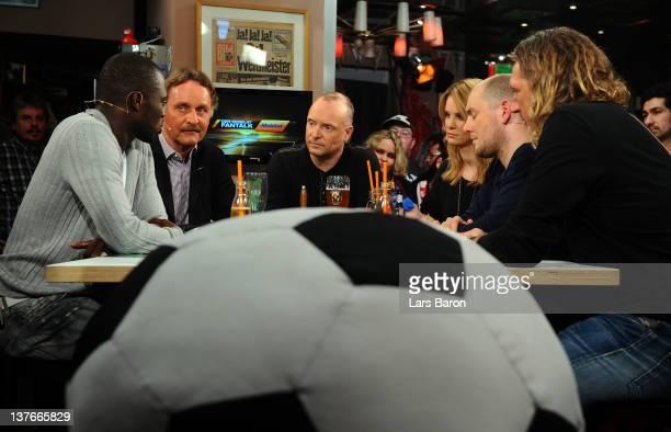 Host Frank Buschmann is seen with his guests Hans Sarpei Peter Neururer Monica Ivancan Oliver Petszokat and Michael Schulz during the Mobilat Fantalk...