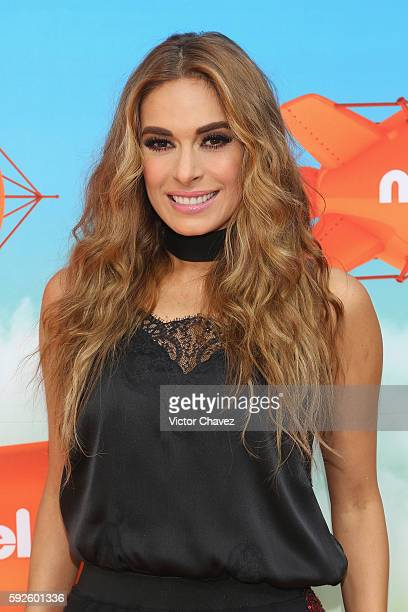 Host Galilea Montijo arrives at the Nickelodeon Kids' Choice Awards Mexico 2016 at Auditorio Nacional on August 20 2016 in Mexico City Mexico