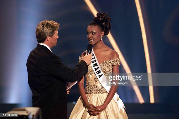 Host Jack Wagner Asks The Final Question To Miss Botswana Wednesday May 26 1999 At The Universe Centre Chaguaramas Trinidad An Tobago 19 Year Old...