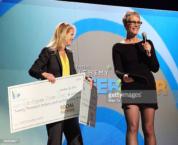 Host Jaime Lee Curtis announces winner Caroline Kunitz from Los Angeles Diaper Drive at the Annenberg Foundation's 3rd annual Alchemy Peer To Peer...