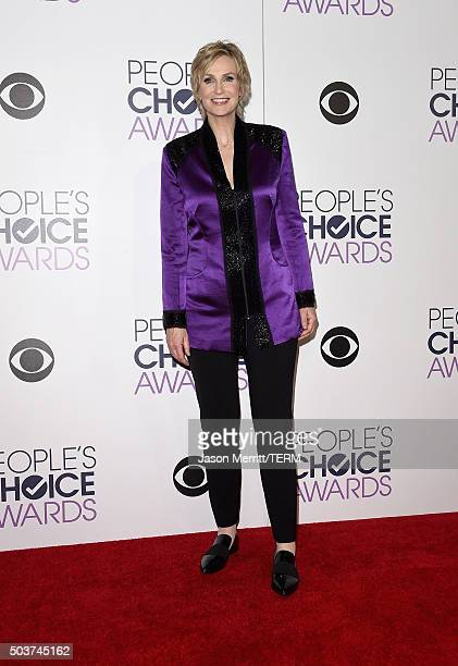 Host Jane Lynch poses in the press room during the People's Choice Awards 2016 at Microsoft Theater on January 6 2016 in Los Angeles California