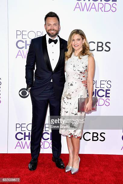 Host Joel McHale and Sarah Williams attends the People's Choice Awards 2017 at Microsoft Theater on January 18 2017 in Los Angeles California